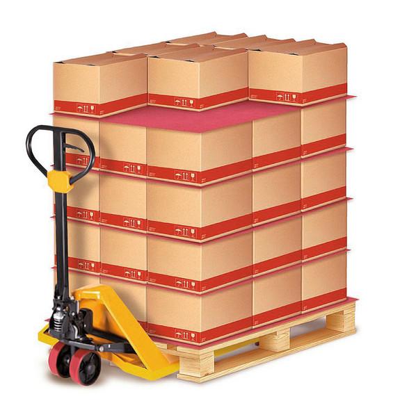 Die Ladungssicherung von beispielsweise auf Paletten gestapelten Kartons geht alle etwas an: vom Lkw-Fahrer über den Beauftragten bis hin zur Geschäftsleitung des Versenders